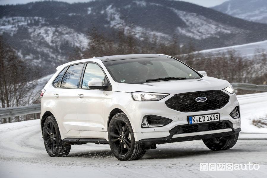 Nuovo Ford_Edge 2019 ST Line, vista di profilo