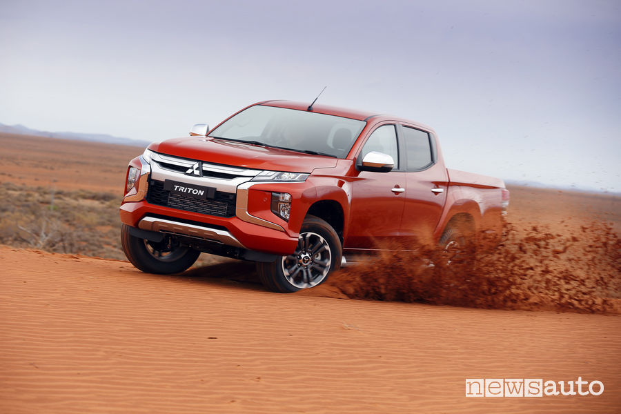 Mitsubishi Triton/L200, off road sulla sabbia
