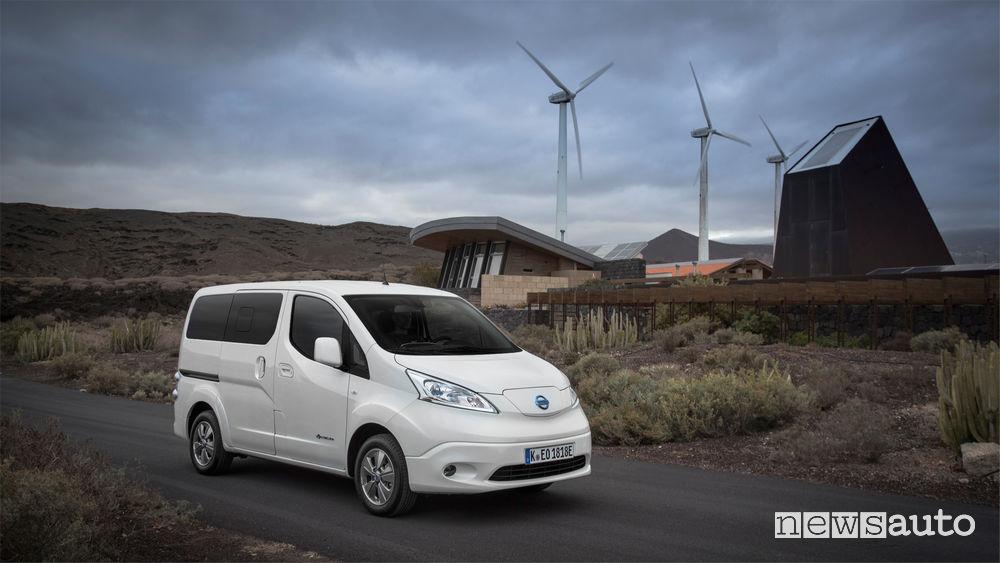 Nissan_e-NV200, vista di profilo