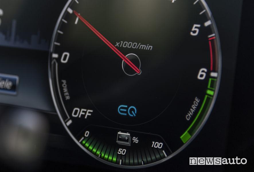 Mercedes-Benz E 300 e, stato di ricarica