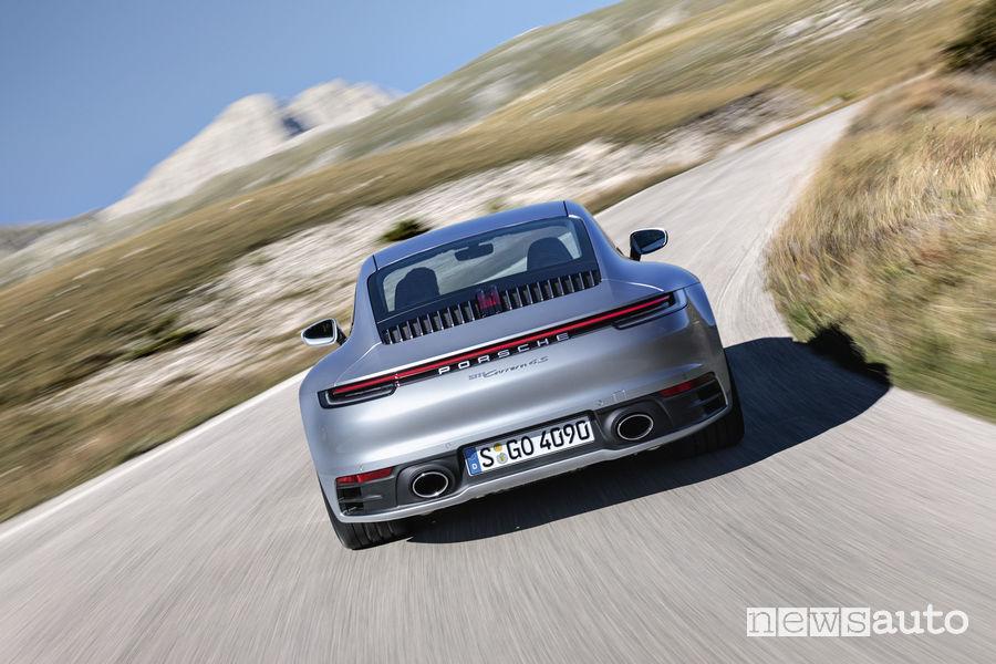 Nuova Porsche 911 2019 Carrera 4S, vista posteriore