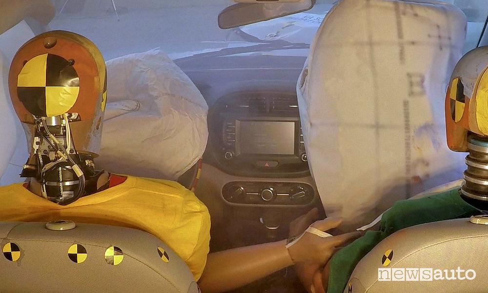 Airbag auto incidenti multipli