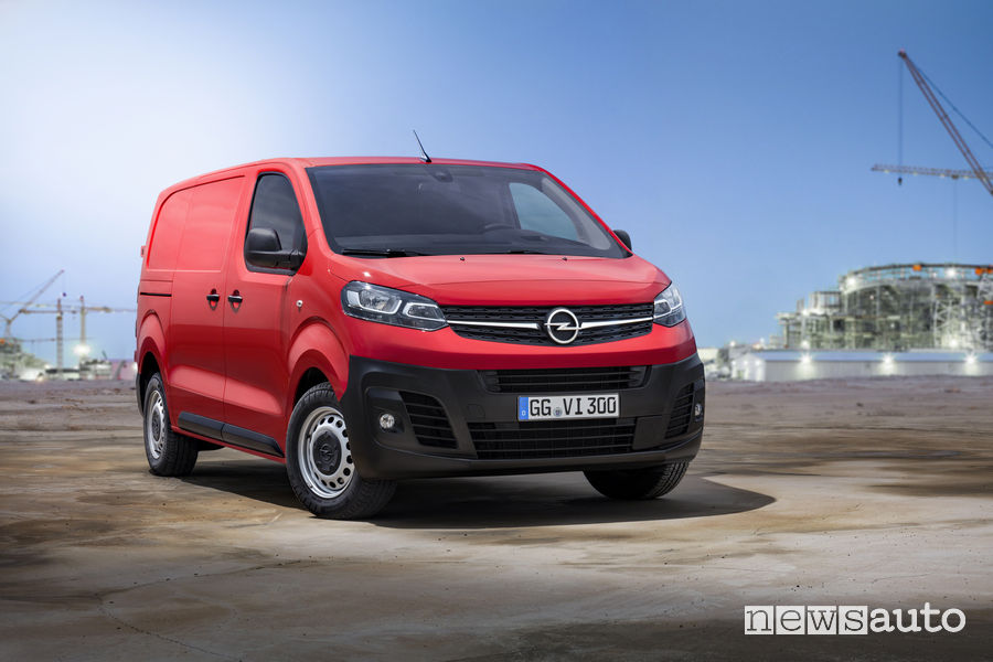 Opel Vivaro 2019, vista di profilo