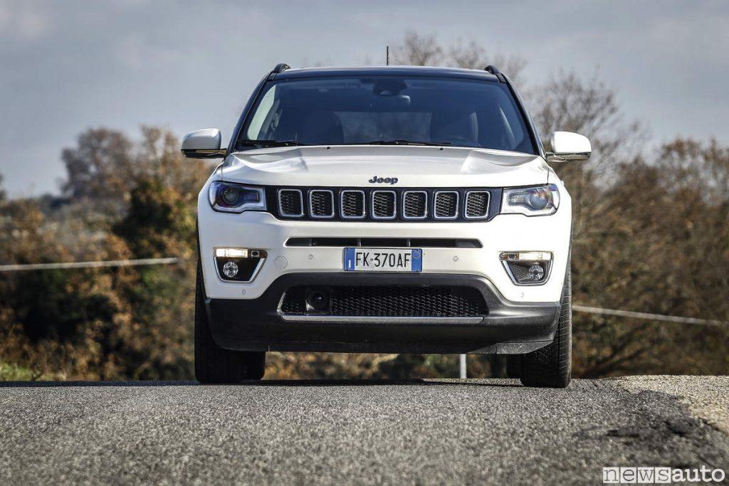 Jeep compass limited 2019 vista frontale cofano e paraurti