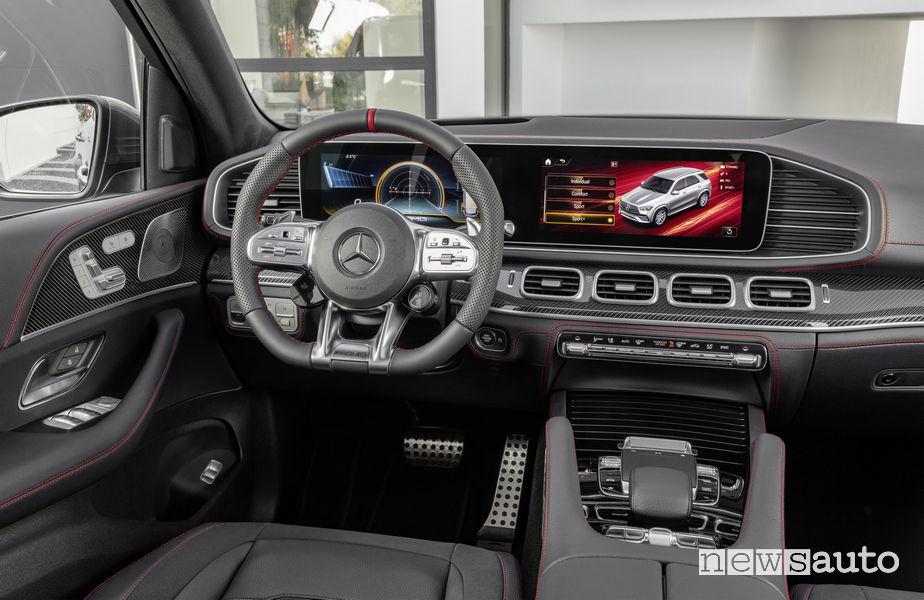 Mercedes-AMG GLE 53 4MATIC+, plancia strumenti