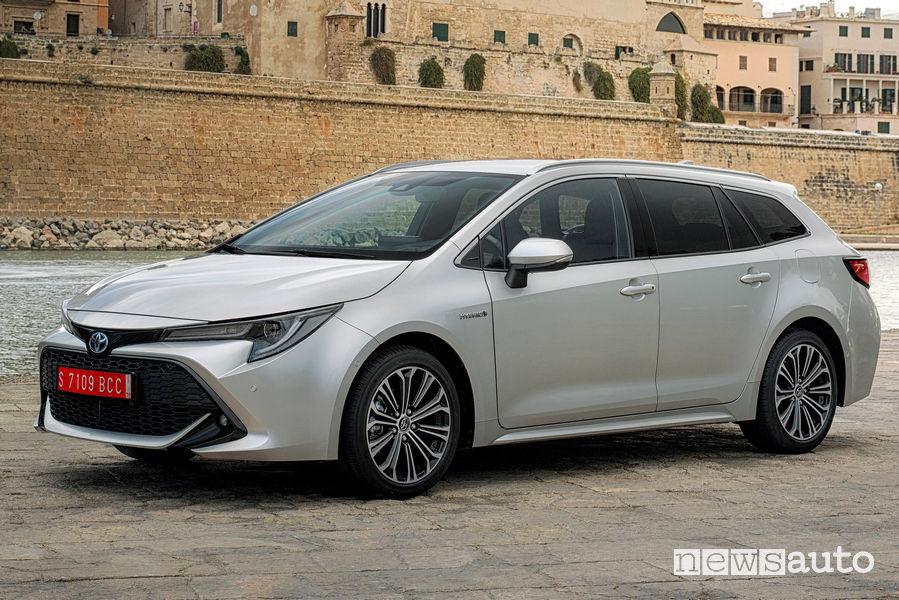 Toyota Corolla Touring Sport 2019, vista di profilo