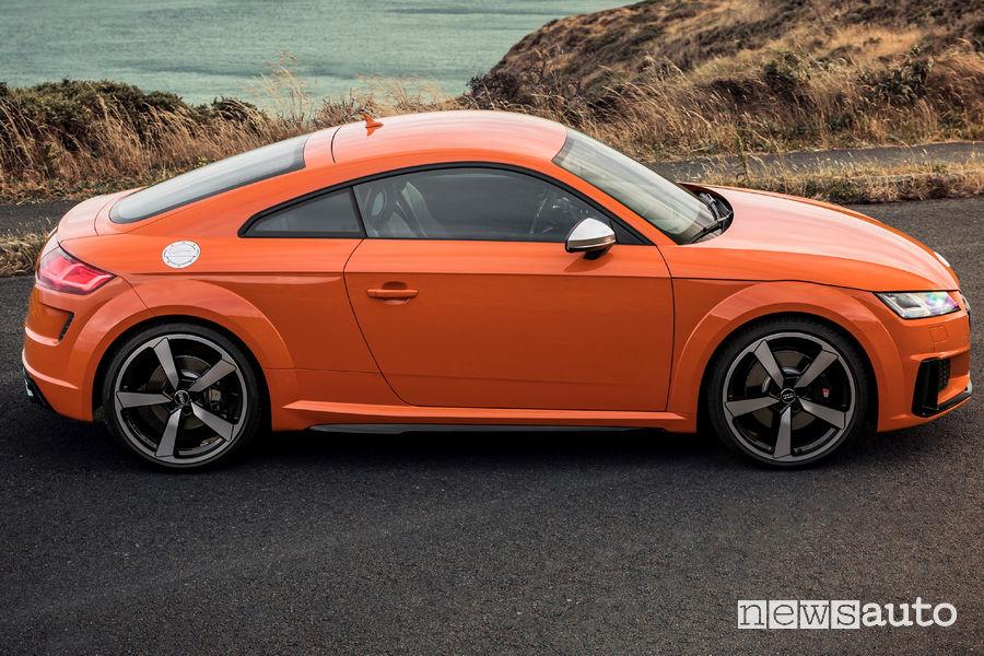 Audi TTS Coupé, vista laterale