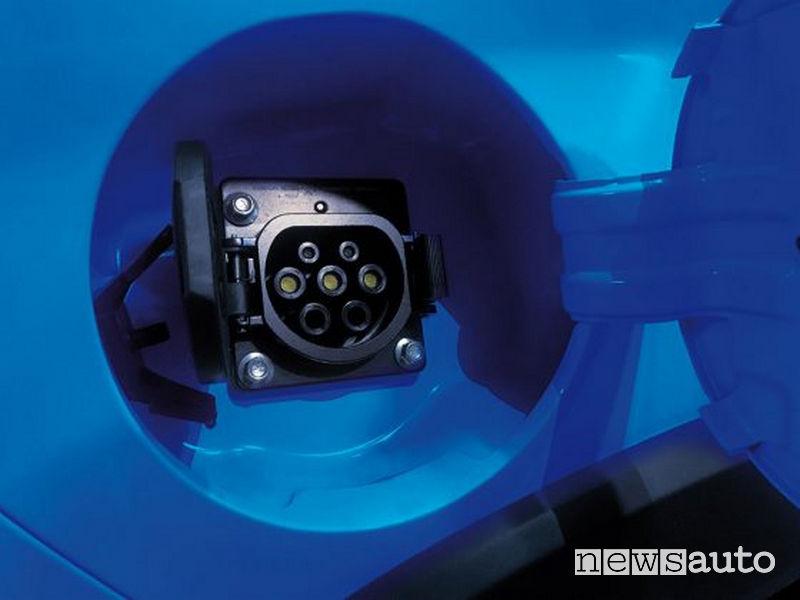 DR3 EV elettrica, presa di ricarica