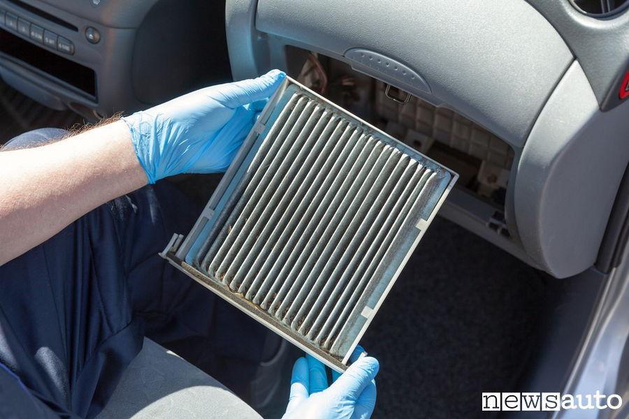 Manutenzione auto fai da te controllo filtro abitacolo