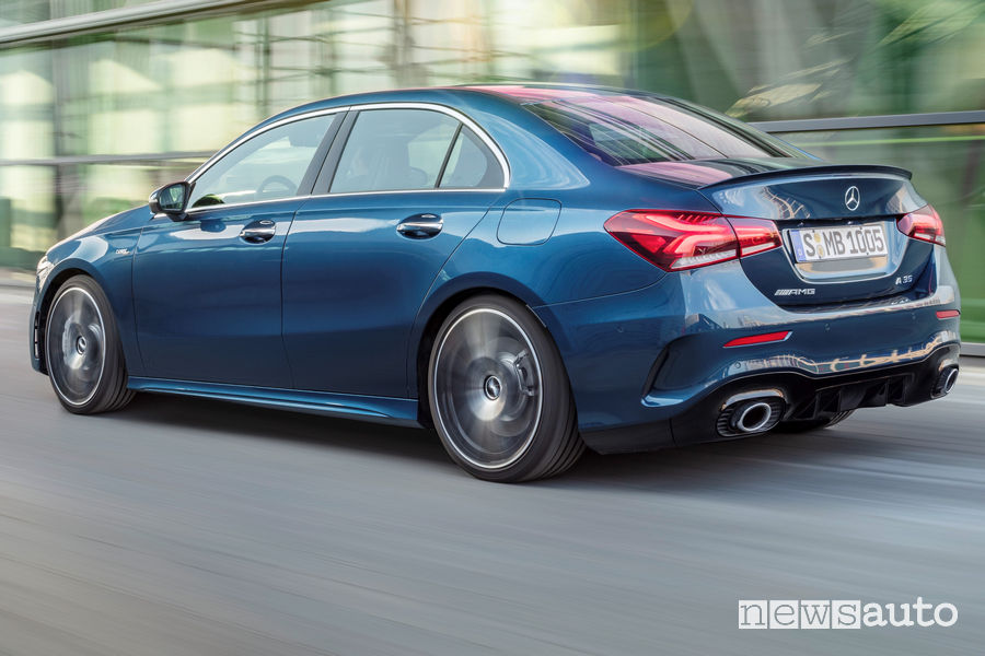 Mercedes-AMG A 35 4MATIC Sedan vista posteriore