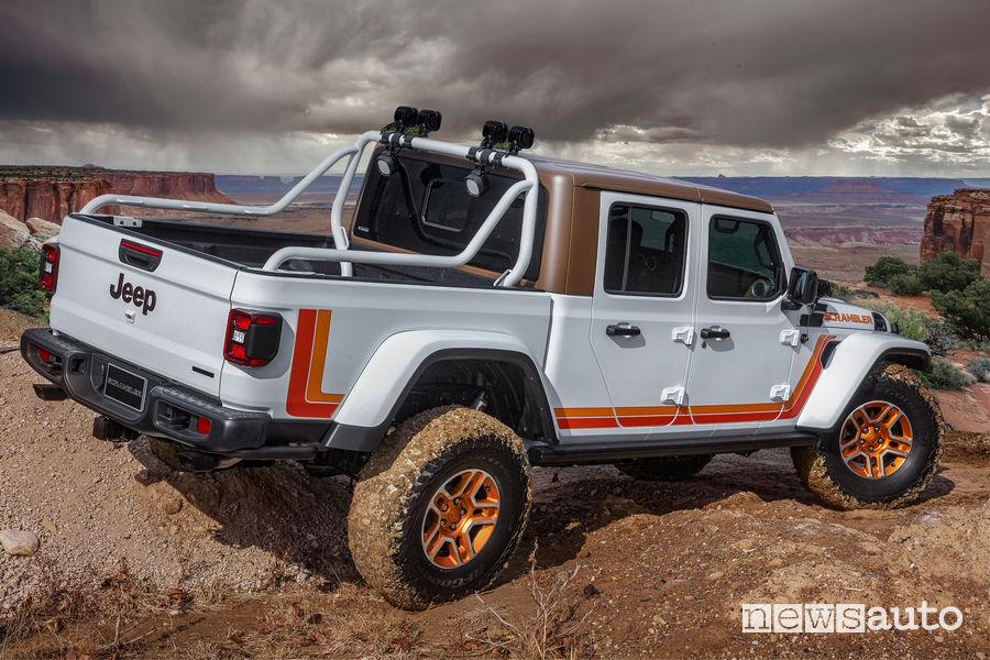 Jeep JT Scrambler vista posteriore