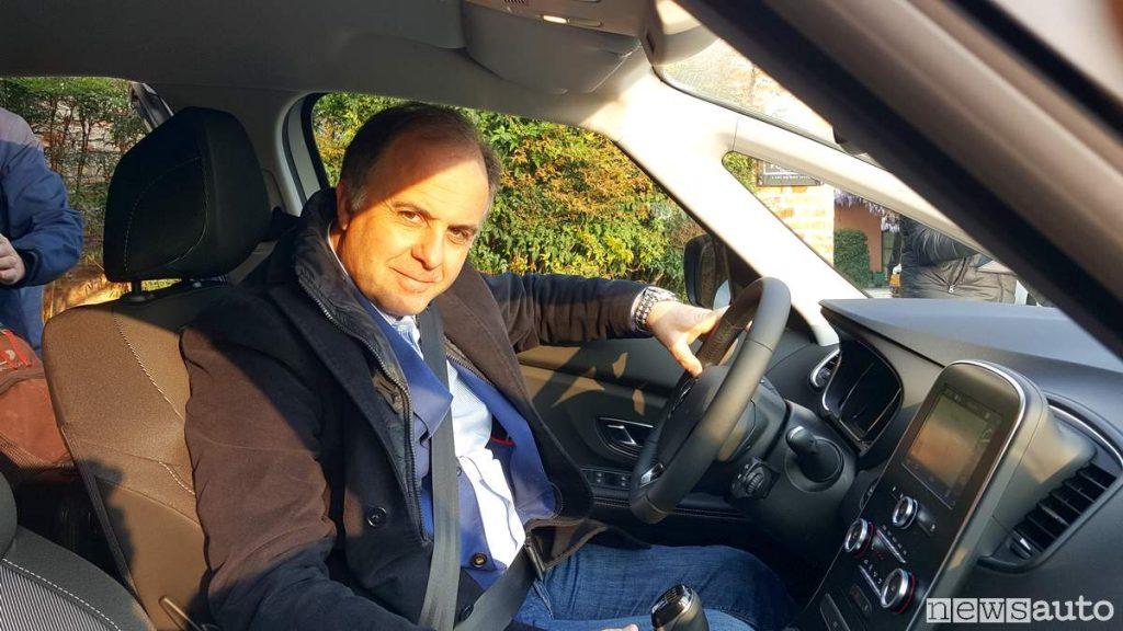 Alla guida Renault Scenic Mancini