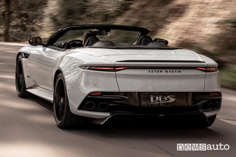 Aston Martin DBS Superleggera Volante vista posteriore