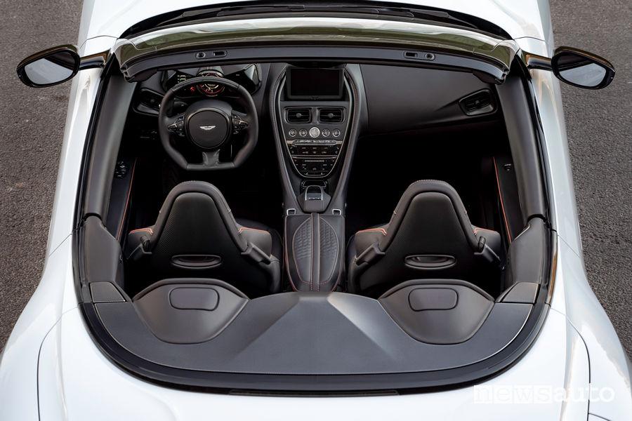 Aston Martin DBS Superleggera Volante vista dall'alto