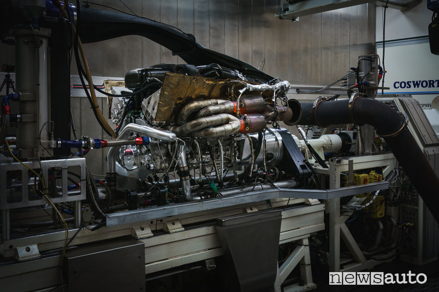 Dyno test, prova motore V12 al banco della Aston Martin Valkyrie