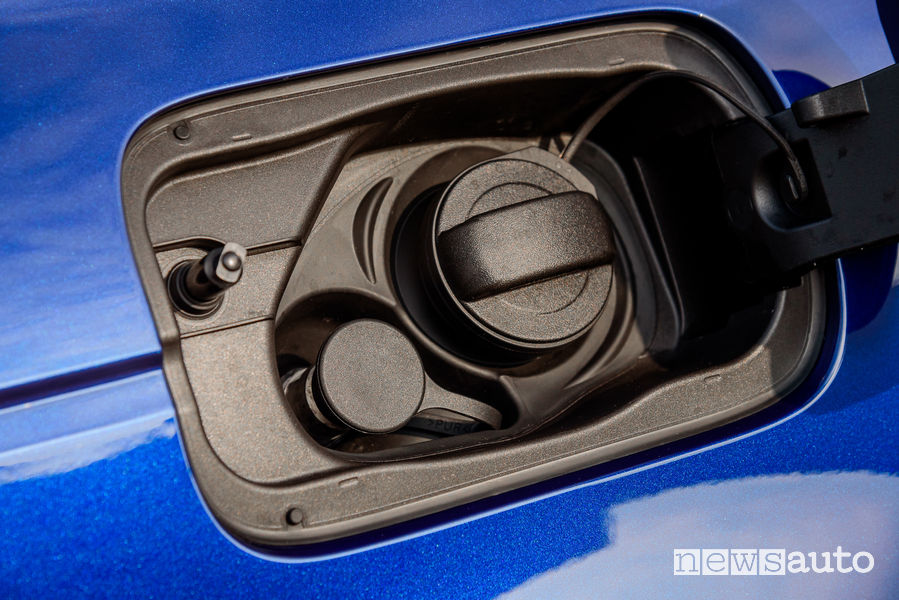 Audi A4 Avant g-tron bocchettone metano