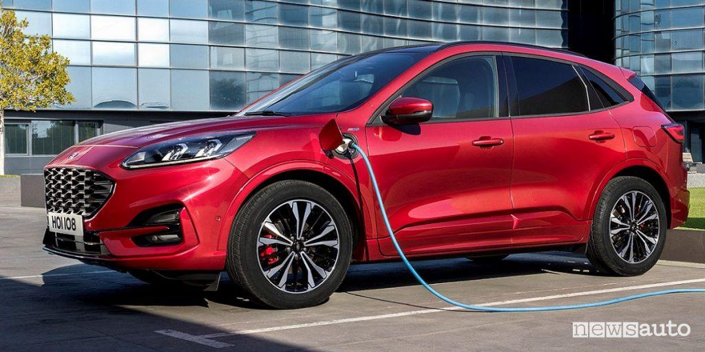 Nuova Ford Kuga Plug-In Hybrid sarà presentata al Salone Auto Francoforte 2019