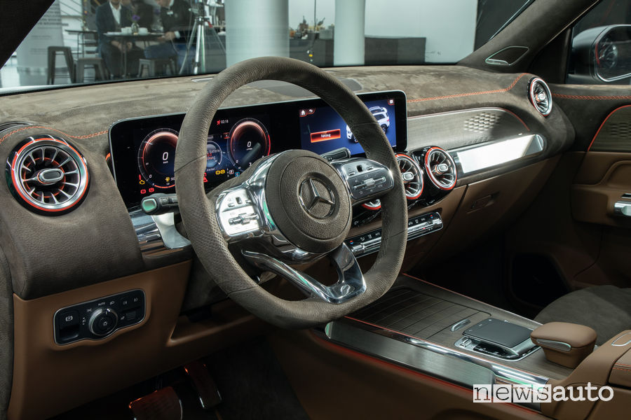 Mercedes-Benz Concept GLB plancia strumenti