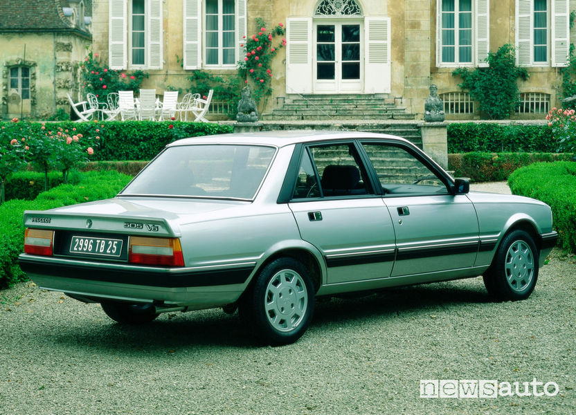 Vista posteriore Peugeot 505 V6 1986