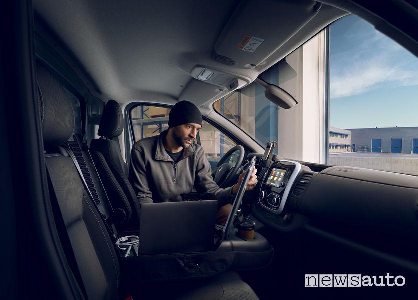 Ufficilo mobile sul nuovo Renault Trafic furgone