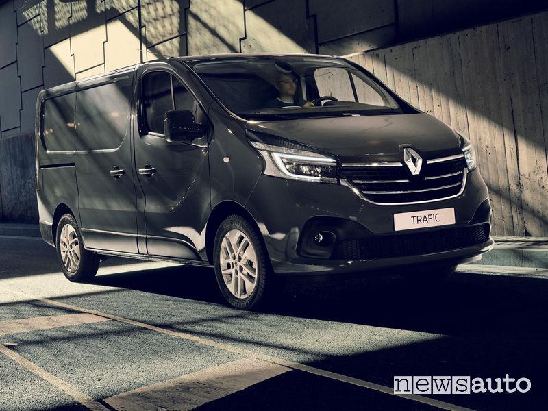Nuovo Renault Trafic furgone vista di profilo