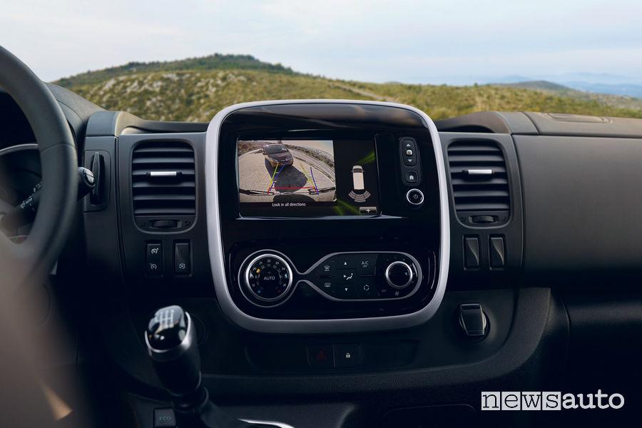 Retrocamera sul nuovo Renault Trafic furgone