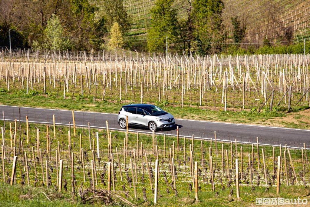 Su strada con Renault scenic 1.7 blue_dCi