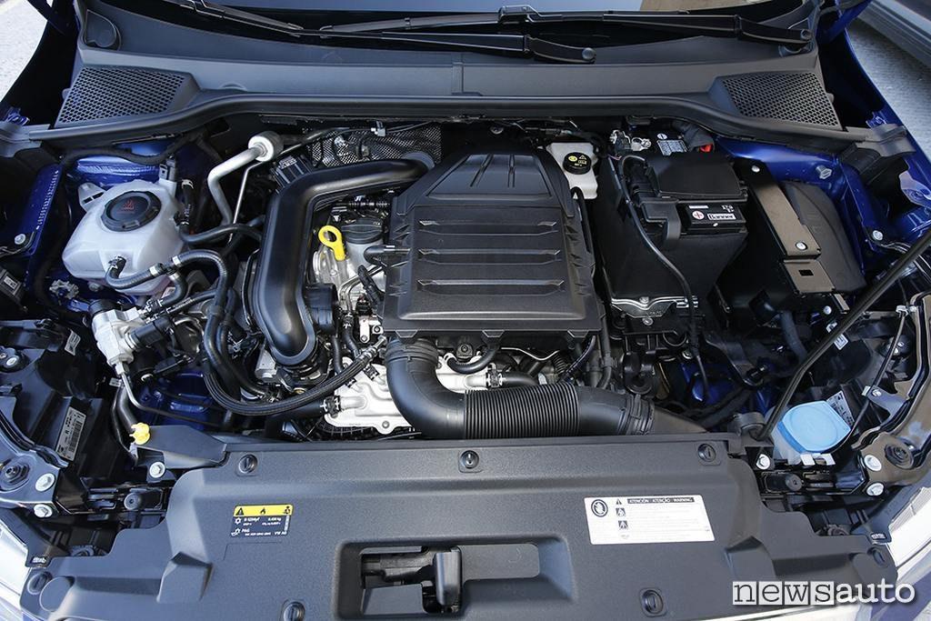 Seat Arona TGI motore turbo 1.0 da 90 CV