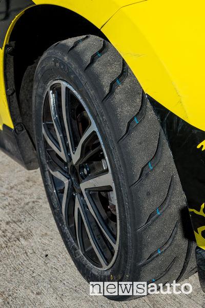 Gomme Toyo PROXES R888 sulla Suzuki Swift Sport