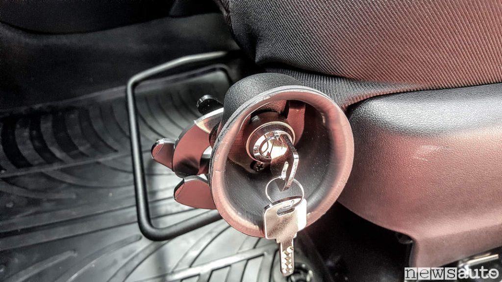 Fermo arma da fuoco su auto sedile Toyota_Yaris_carabinieri