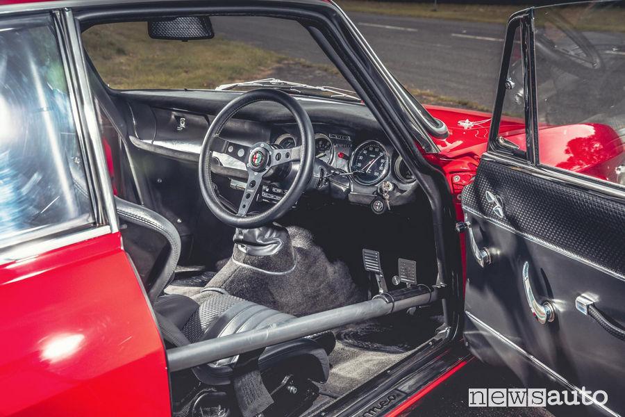 Guida a destra per l'Alfa Romeo Giulia GTA-R 29 Alfaholics