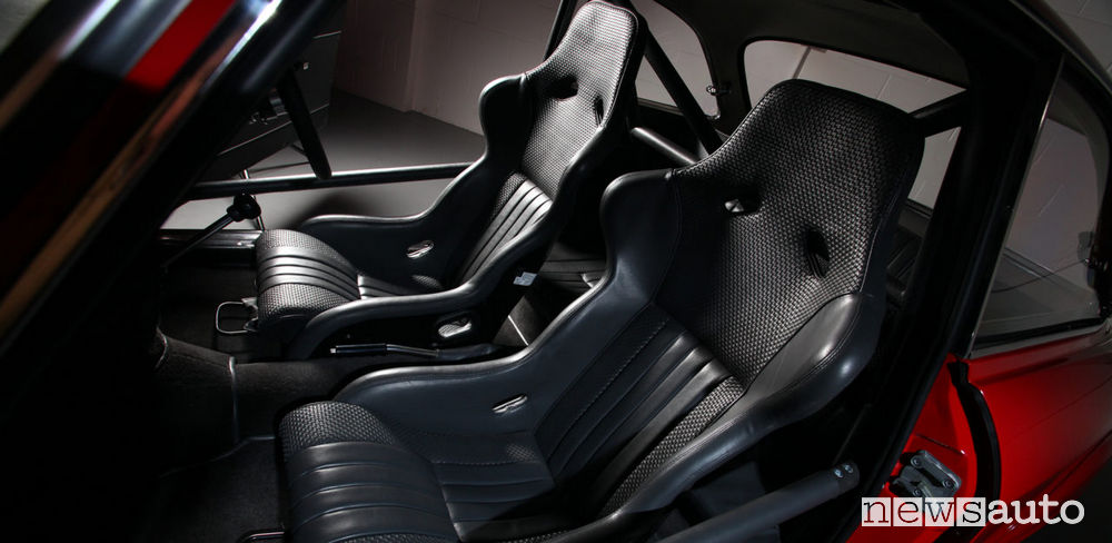 Sedili sportivi in pelle Alfa Romeo Giulia GTA-R 29 Alfaholics  auto storica