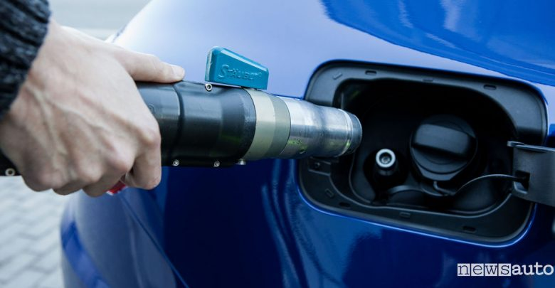 Bocchetta di rifornimento auto metano