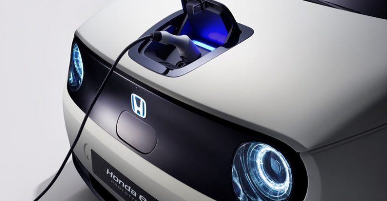 Honda e-Prototype presa di ricarica