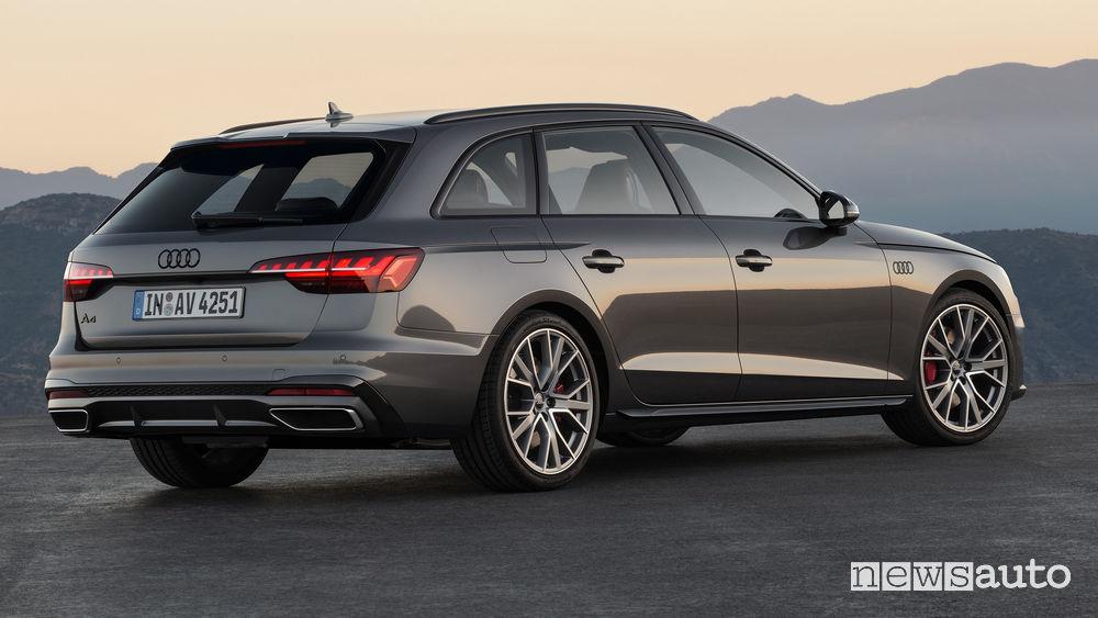 Audi A4 Avant vista posteriore