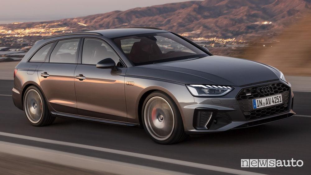 Audi A4 Avant vista di profilo in movimento