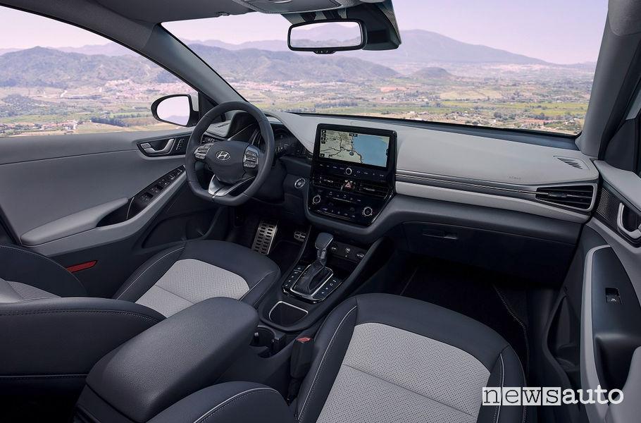 Abitacolo Hyundai Ioniq Hybrid
