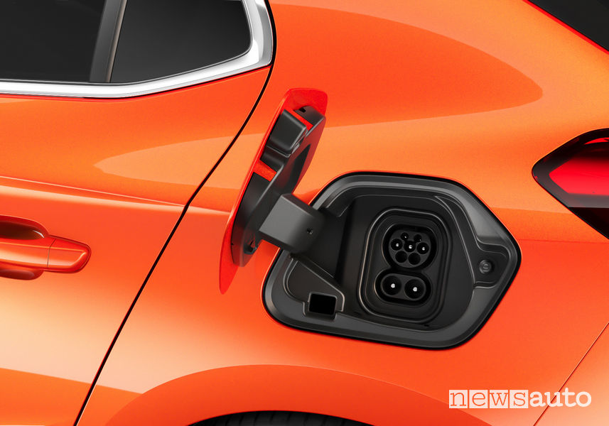 Opel Corsa-e elettrica vano di ricarica
