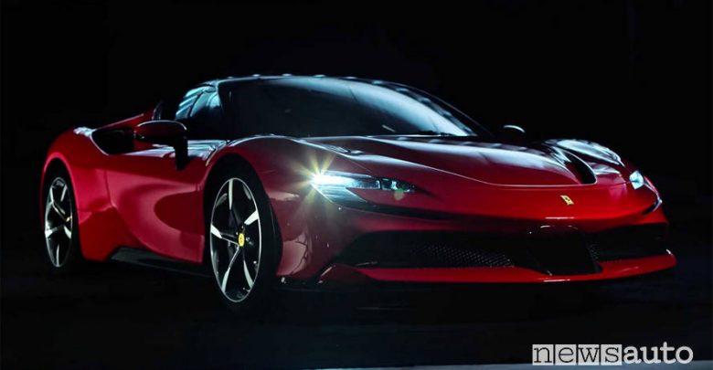 Ferrari SF90 Stradale dettaglio fari led
