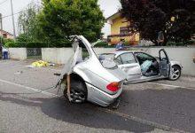 Photo of BMW si spezza in 2, incidente mortale nel Friuli