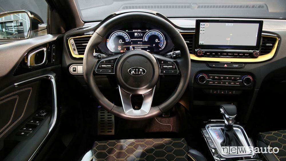 Nuova Kia XCeed plancia strumenti