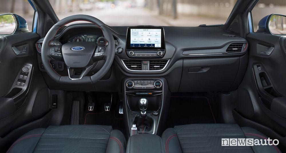 Plancia strumenti ed abitacolo della nuova Ford Puma ST-Line