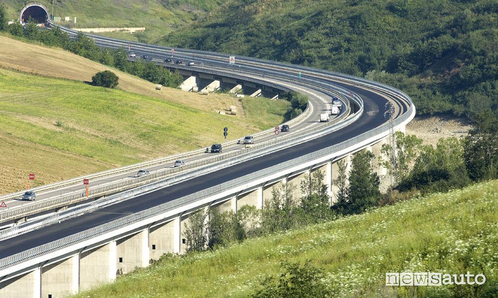 Aumento tariffe Autostrada A24 e A25 Strada dei Parchi Roma-L'Aquila