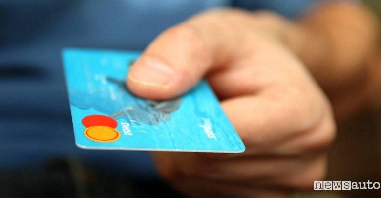 Come pagare al self service carta di credito