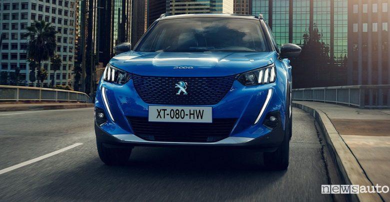 Peugeot e-2008 elettrica prezzi