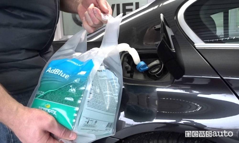 Rabbocco AdBlue nella fase di rifornimento