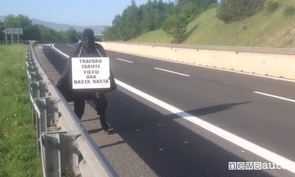 Zorro sull'autostrada A24-A25 Roma L'Aquila