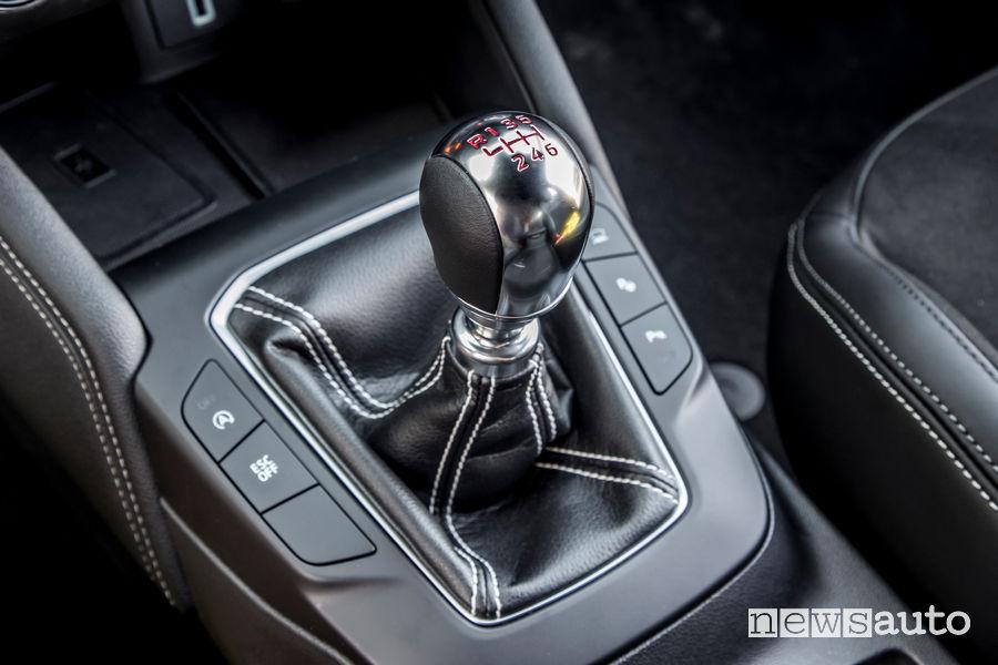 Ford Focus ST 2019 leva cambio manuale 6 rapporti