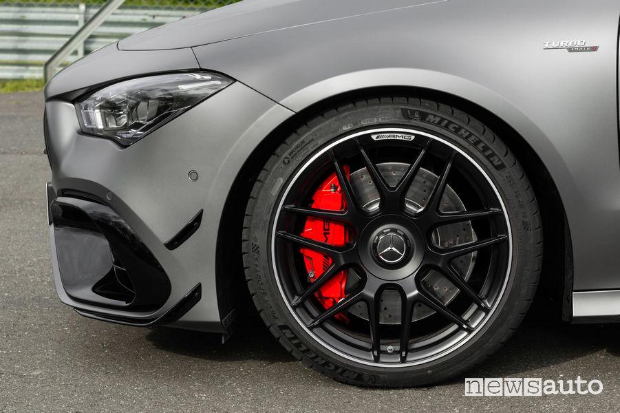 Mercedes-AMG CLA 45 S 4MATIC+ impianto frenante