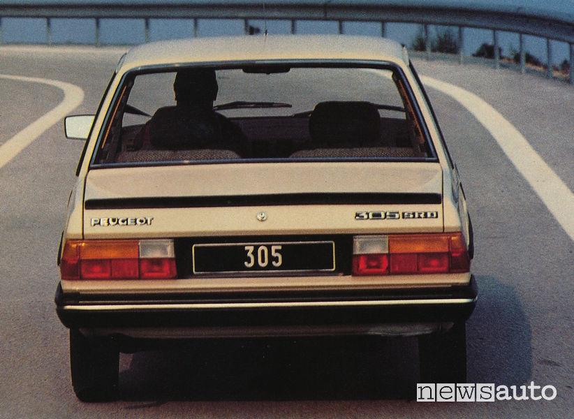 Peugeot 305 SRD auto storica 1980 vista posteriore